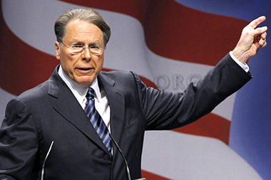 Wayne LaPierre makes a point (Politic365.com - Alex Brandon AP)